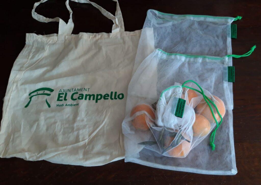 200 bolsas de tela distribuidas entre los usuarios y 50 tarjetas electrónicas, para el adecuado reciclaje del residuo orgánico